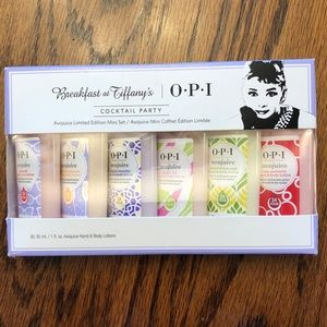 OPI mini Breakfast at Tiffany's lotion set